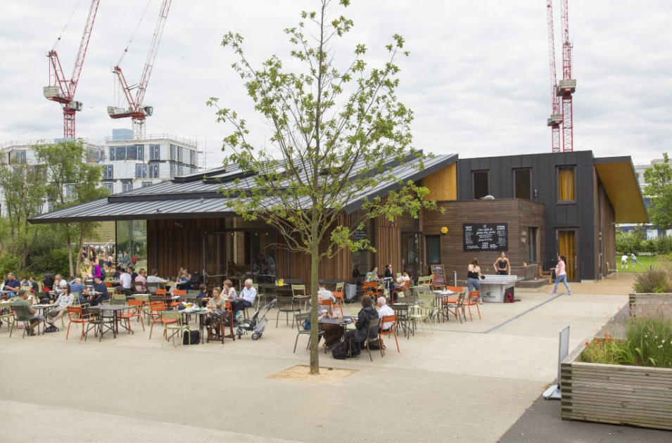 images/projects/images/HD/00000000049/olympic_park_north_hub_timber_lodge_15_33473.hd8
