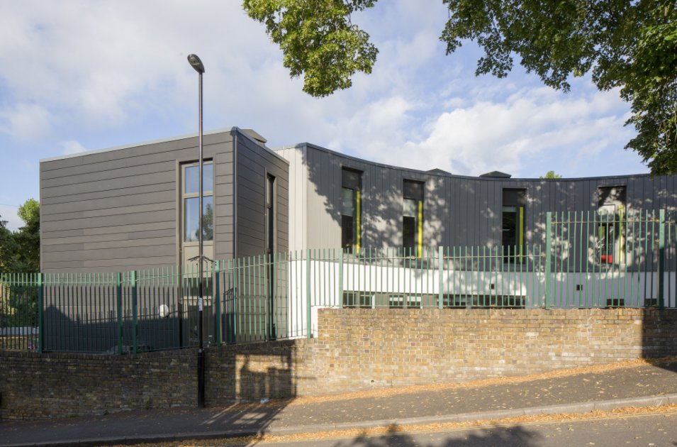 images/projects/images/HD/00000000049/john_ball_primary_school_london_2_33478.hd8