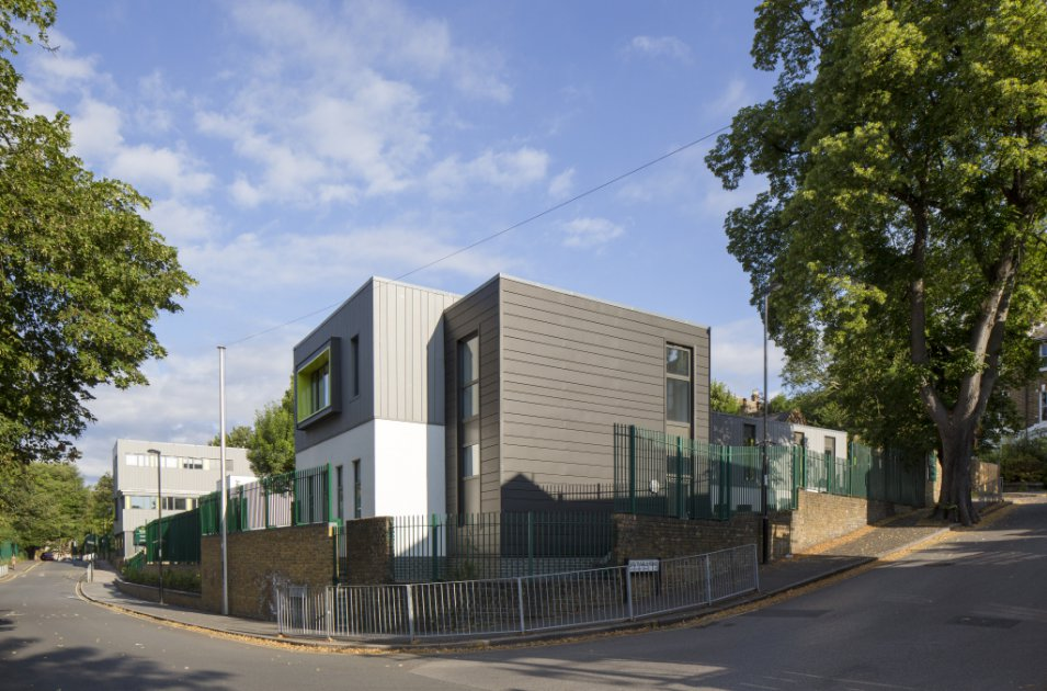 images/projects/images/HD/00000000049/john_ball_primary_school_london_3_33479.hd8